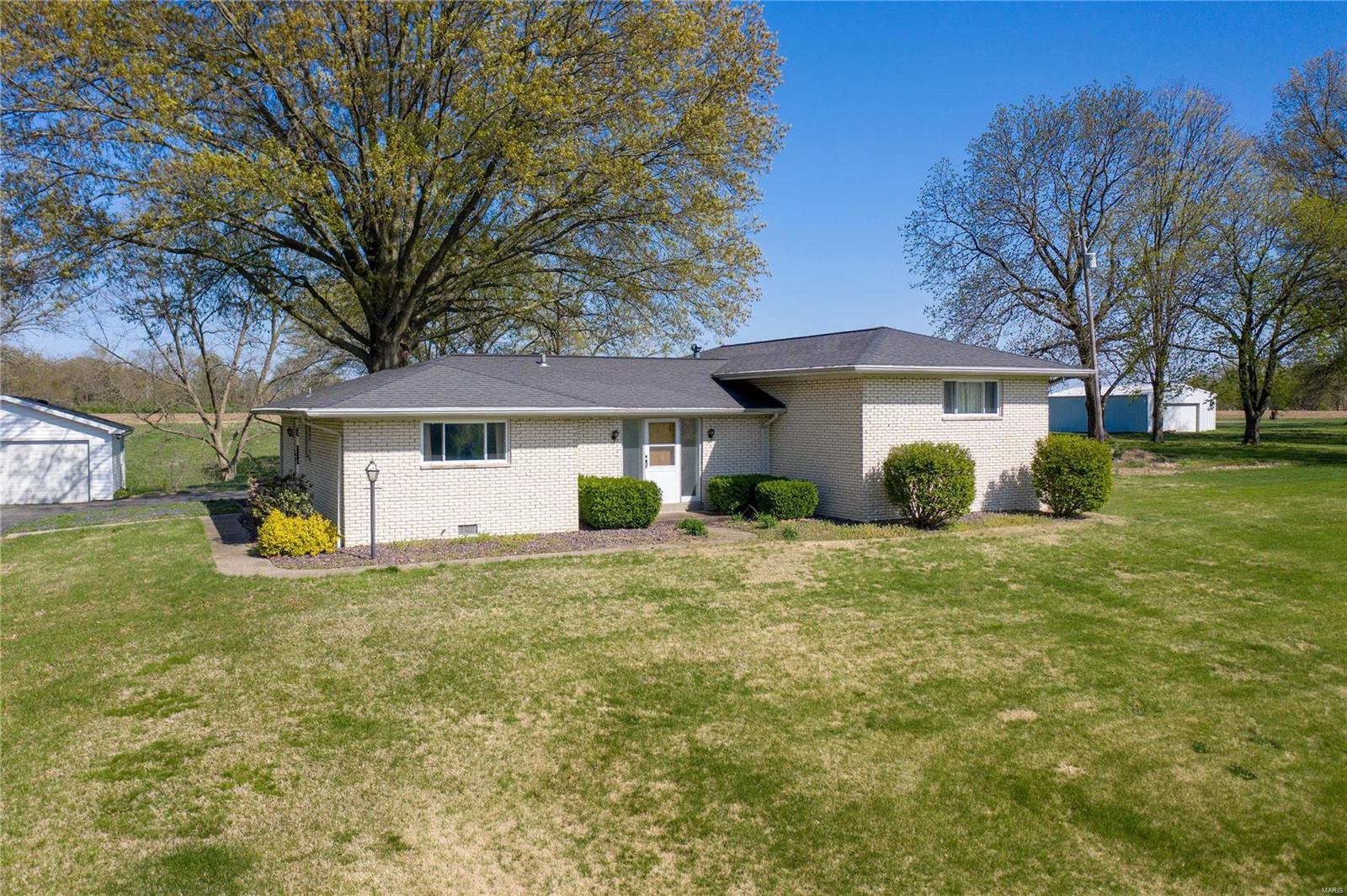 7432 N Illinois Street Property Photo - Caseyville, IL real estate listing