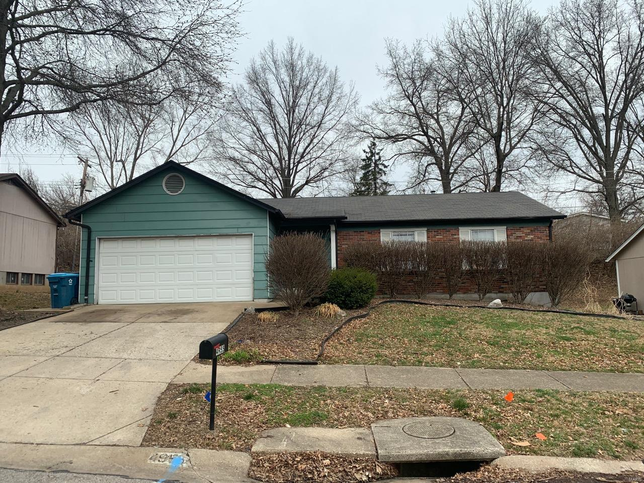 4955 Evelynaire Property Photo - Black Jack, MO real estate listing