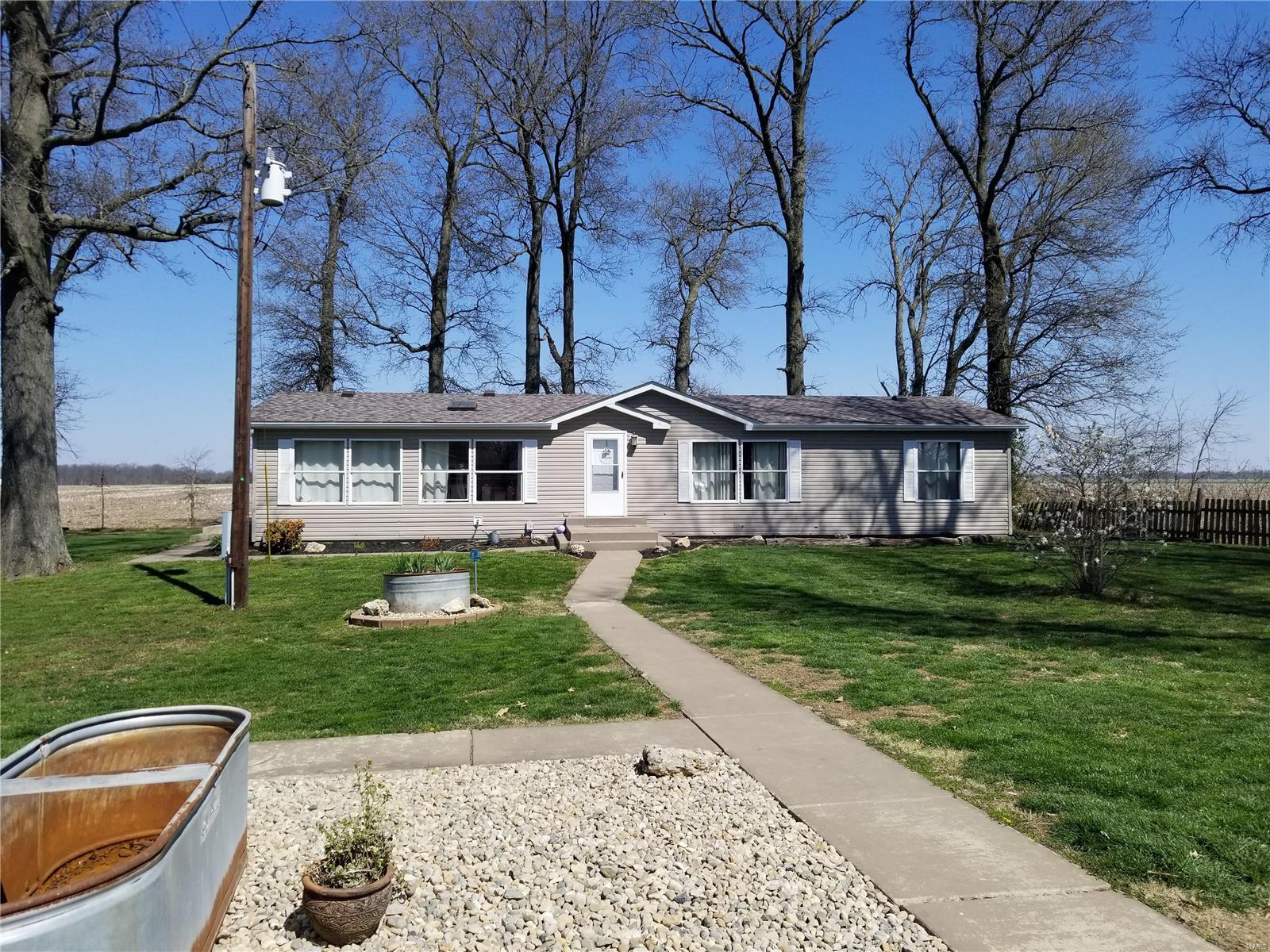 12195 Keyesport Rd. Property Photo - Pocahontas, IL real estate listing