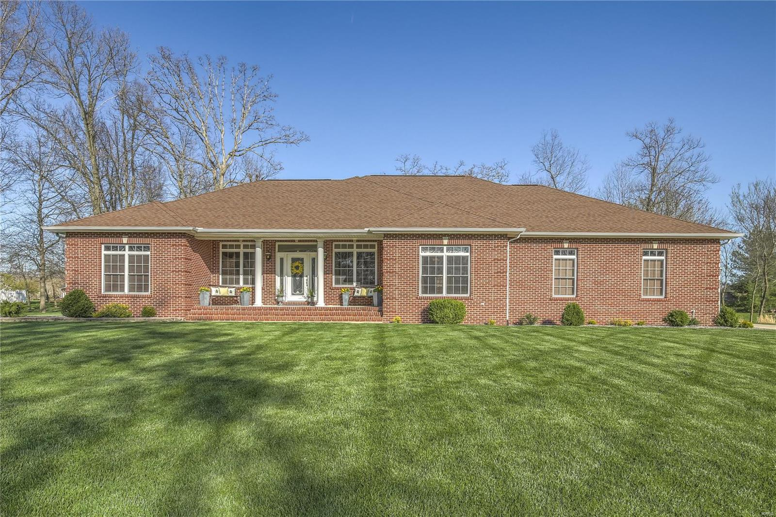 4240 Knab Road Property Photo - Smithton, IL real estate listing
