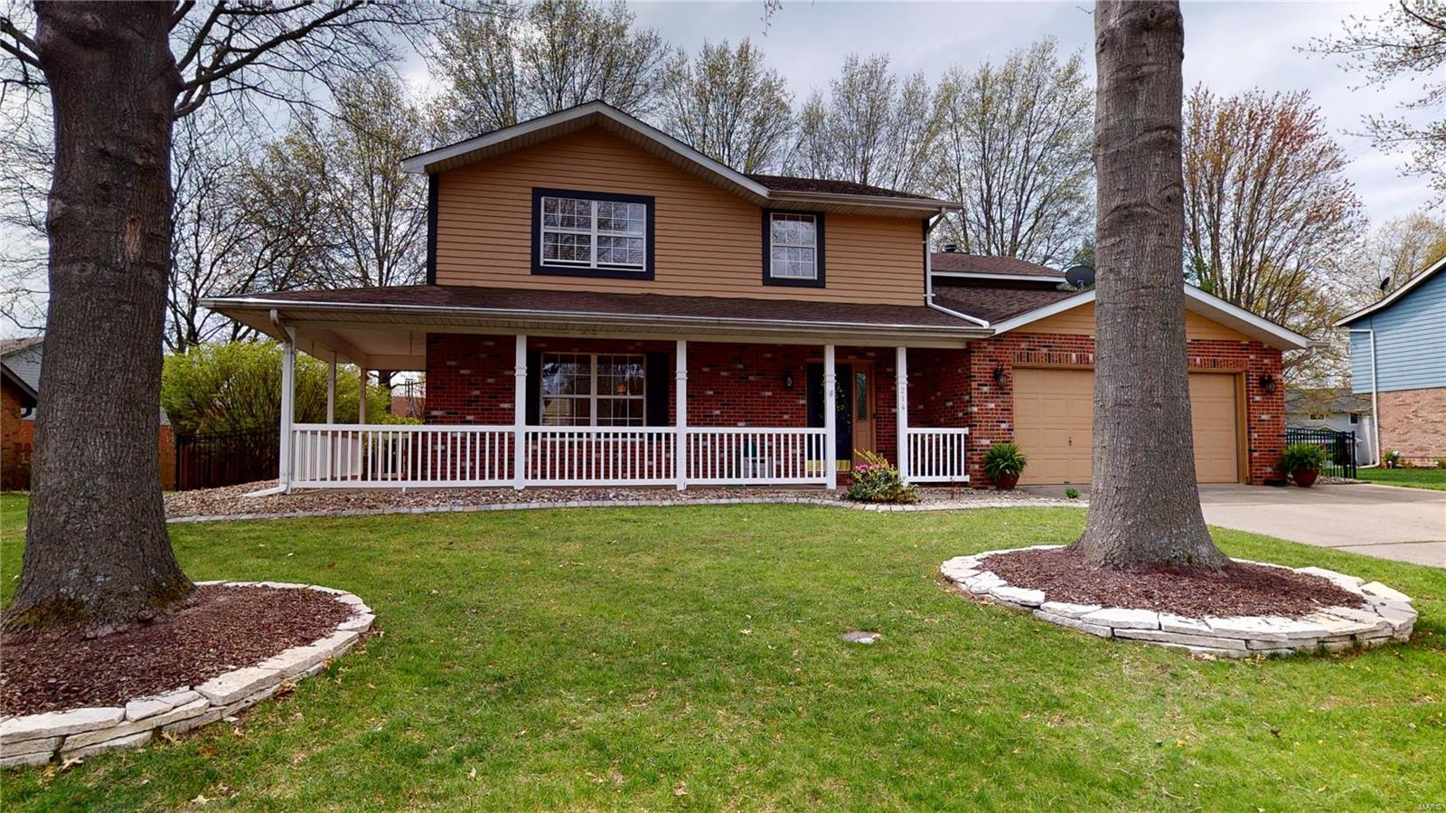 214 Winterberry Drive Property Photo - Belleville, IL real estate listing