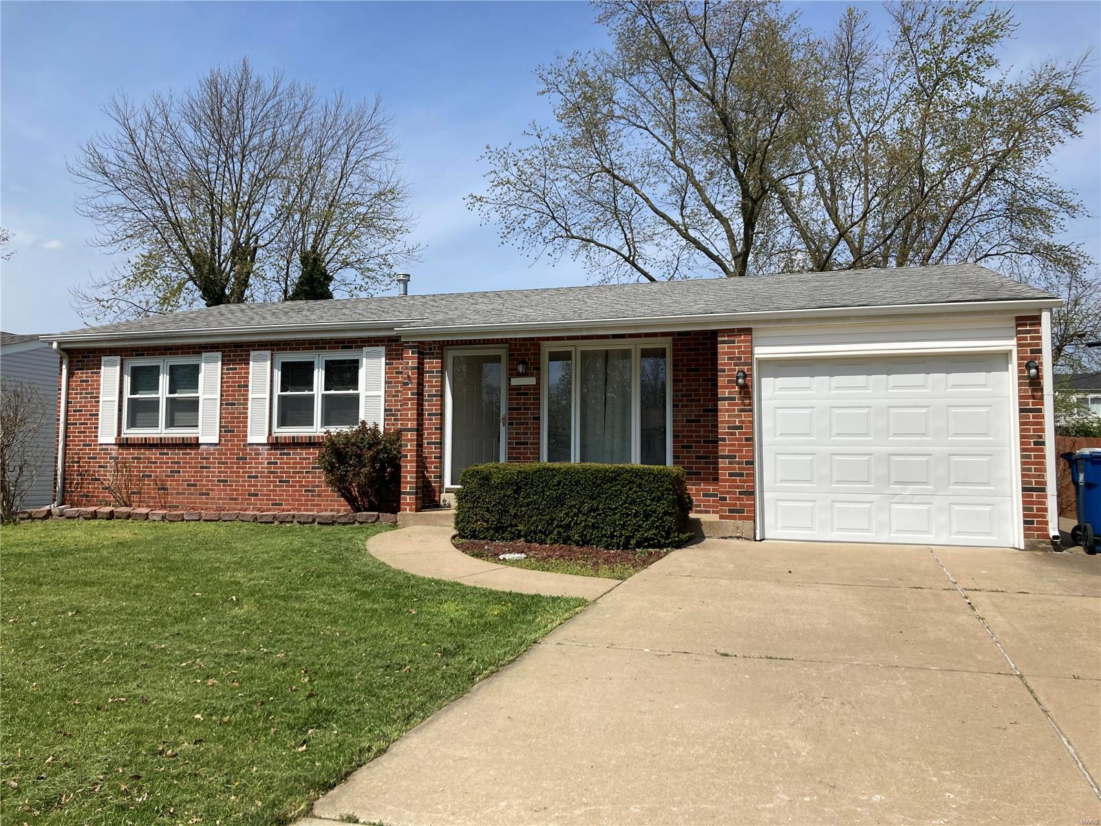 11937 Brookmont Dr Drive Property Photo - Maryland Heights, MO real estate listing