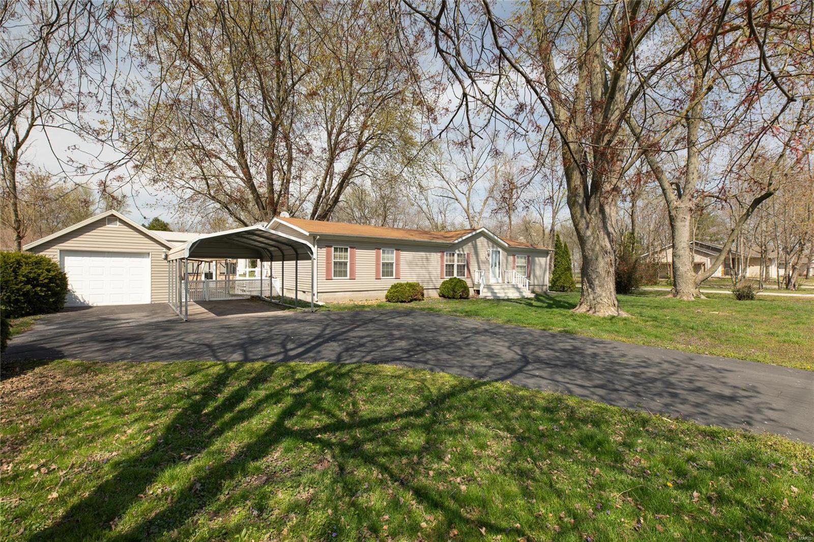 321 E Alton Property Photo - Marine, IL real estate listing