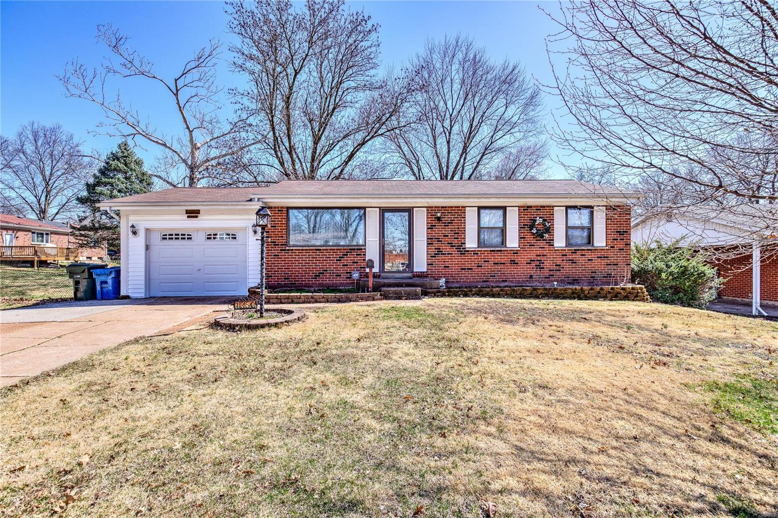 7350 Gerardini Drive Property Photo - Hazelwood, MO real estate listing