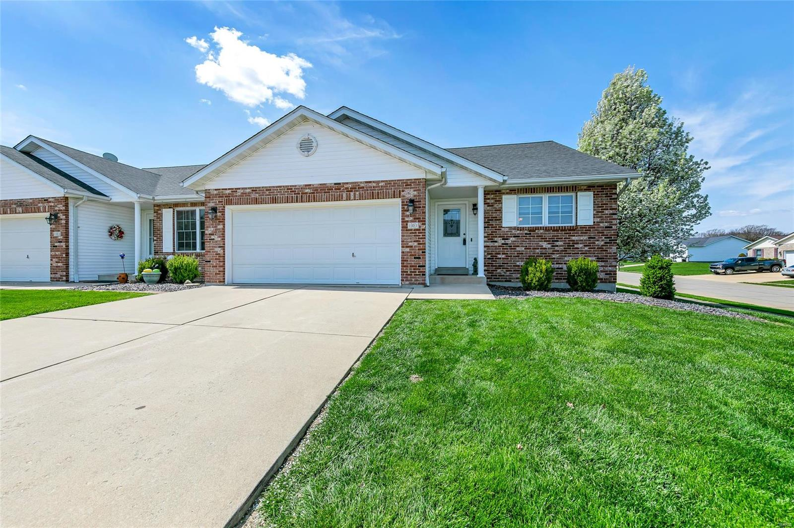 101 Megan Court Property Photo - Valmeyer, IL real estate listing