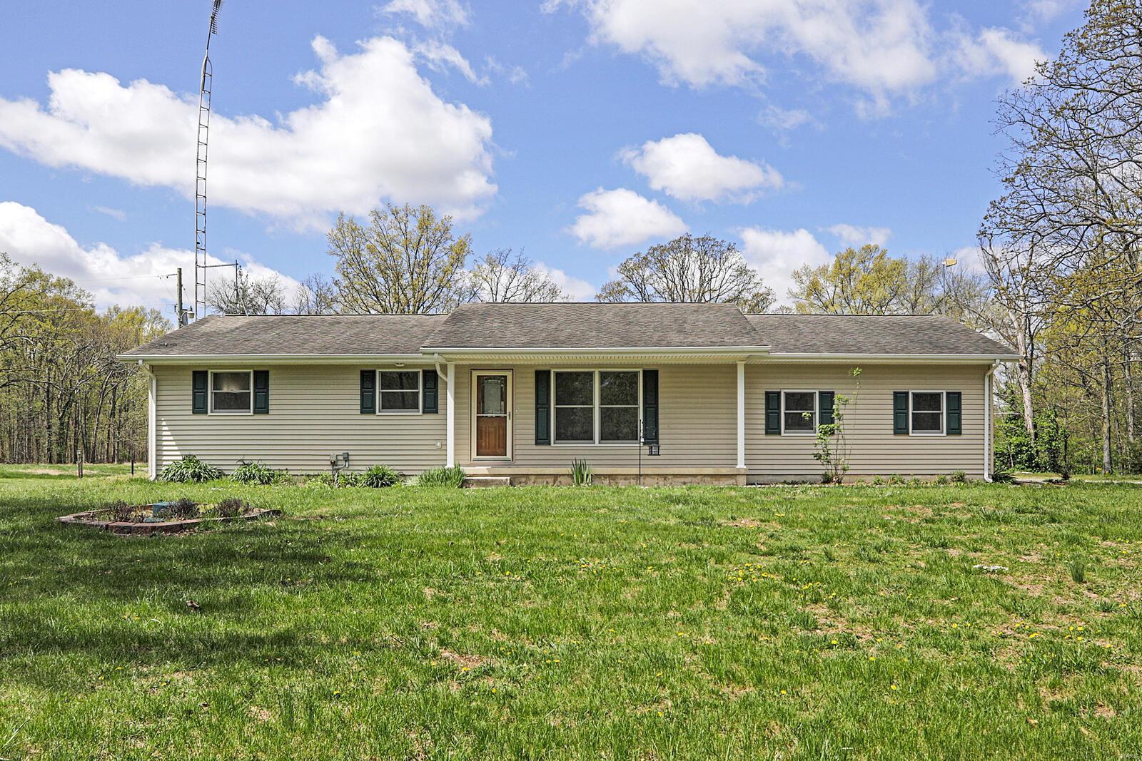 127 Schrage Property Photo - Pocahontas, IL real estate listing