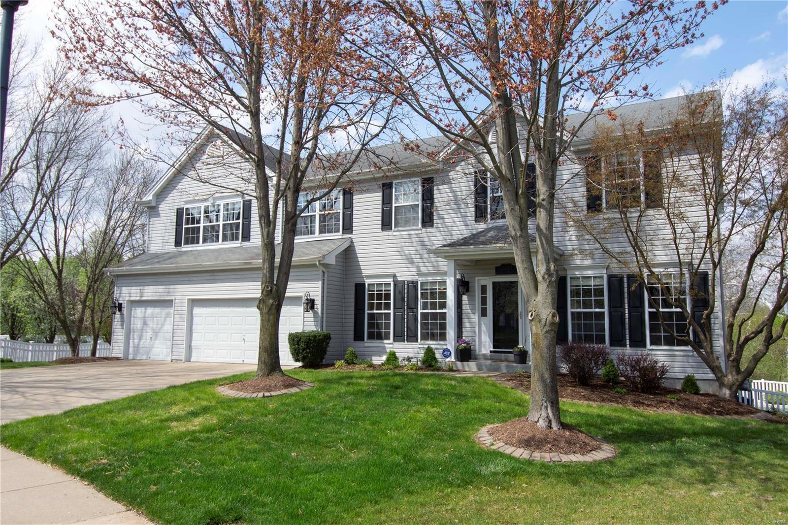 13133 Bellerive Farm Drive Property Photo - Creve Coeur, MO real estate listing