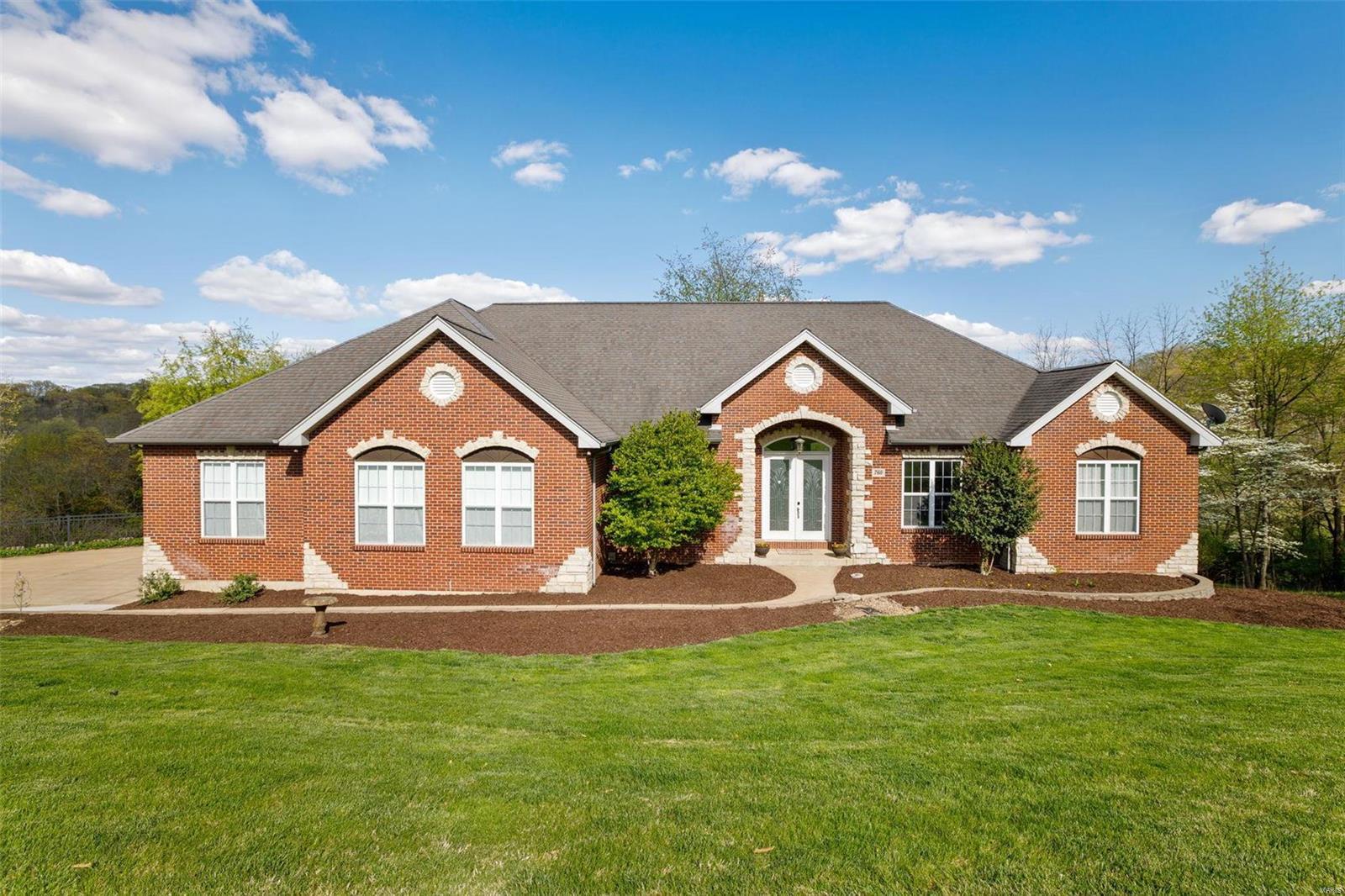 760 Heatherstone Drive Property Photo - High Ridge, MO real estate listing