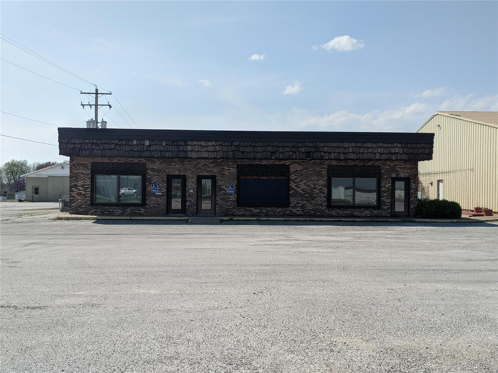 1601 N Market Street Property Photo - Sparta, IL real estate listing