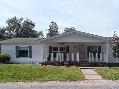 115 Oak Street Property Photo - Breese, IL real estate listing
