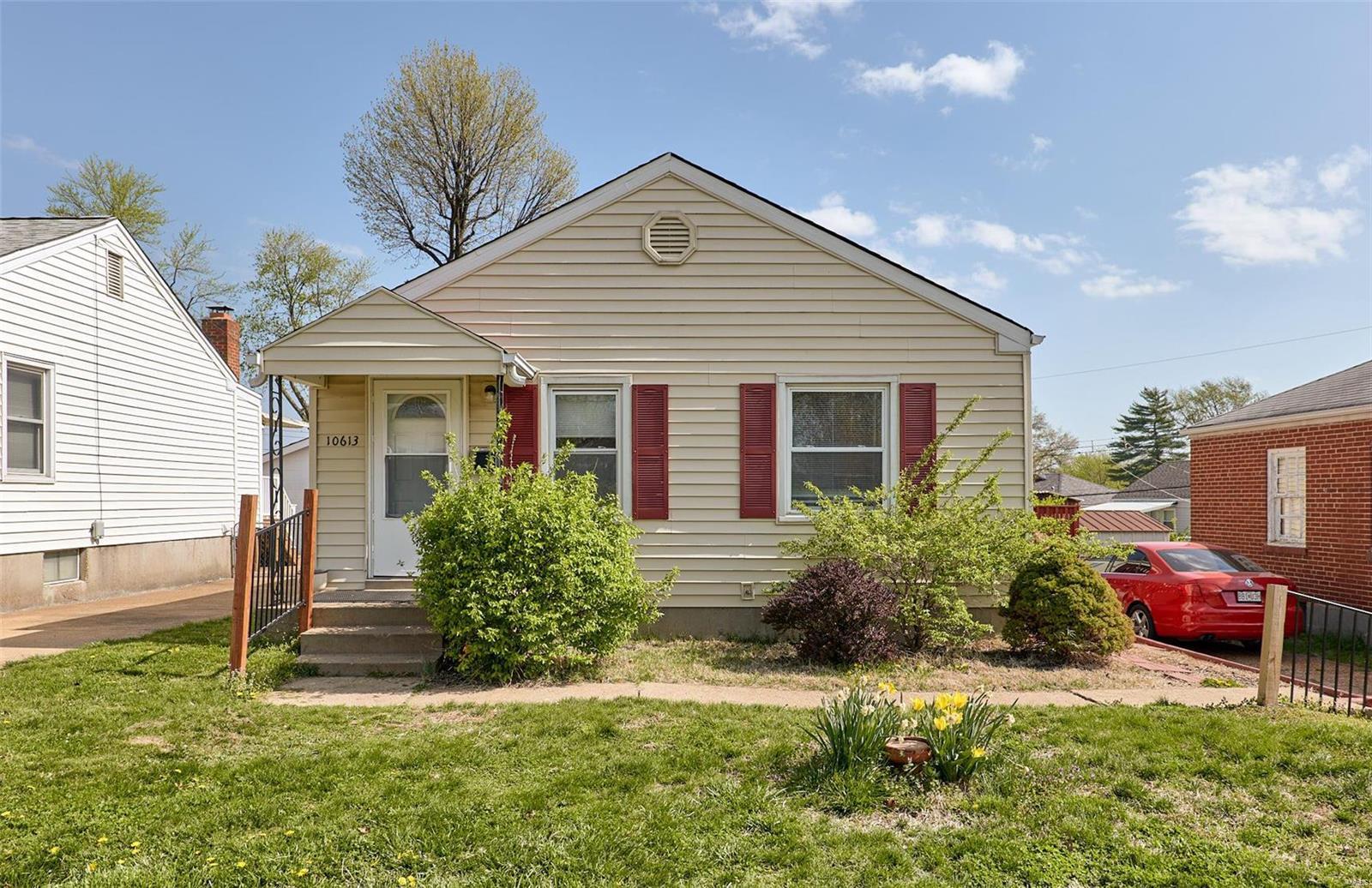 10613 Saint Philip Lane Property Photo - St Ann, MO real estate listing