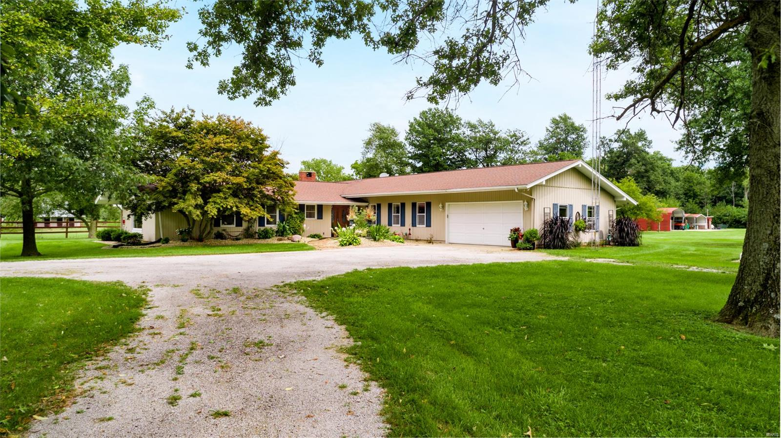 10 Deer Run Property Photo - Litchfield, IL real estate listing
