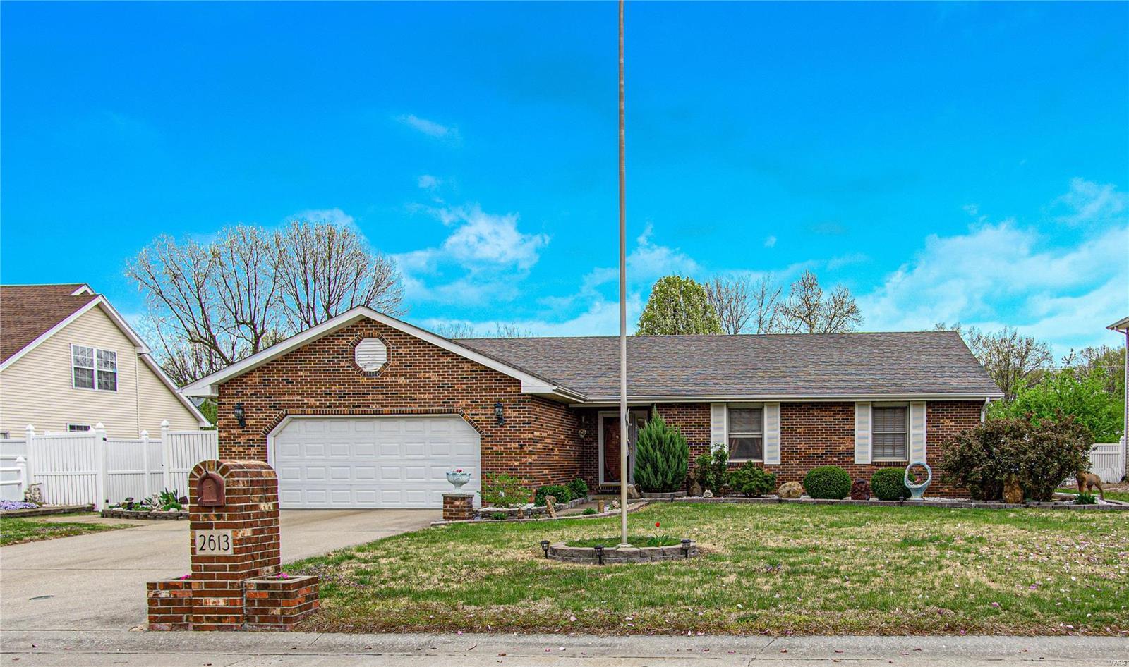2613 Donald Ct Property Photo - Granite City, IL real estate listing