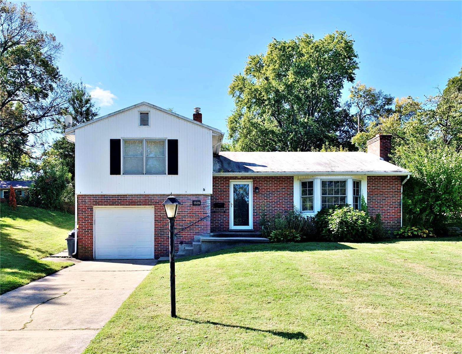 1518 Riverview (WILL TAKE BACK UP) Drive Property Photo - Washington, MO real estate listing