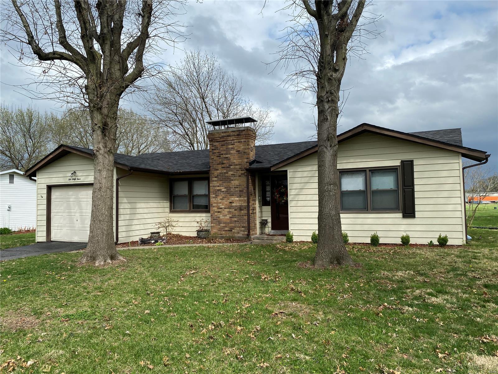 1064 Bishop Lane Property Photo - Montgomery City, MO real estate listing