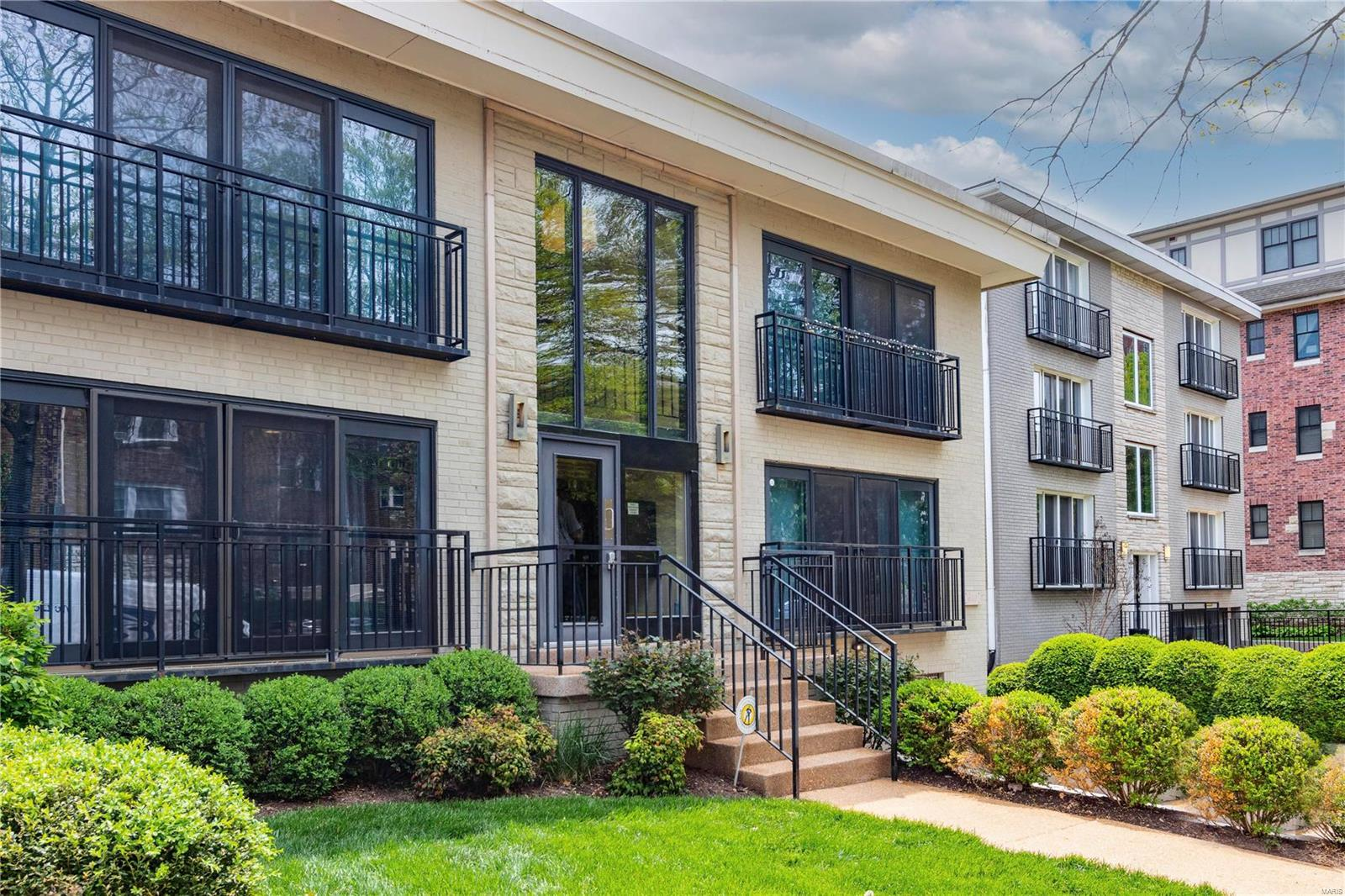610 Forest Court Walk A Condo Real Estate Listings Main Image