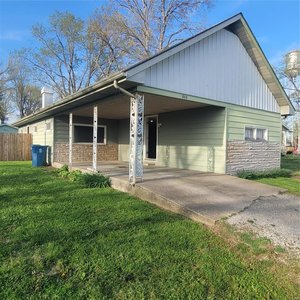511 W Main Property Photo - Ava, IL real estate listing