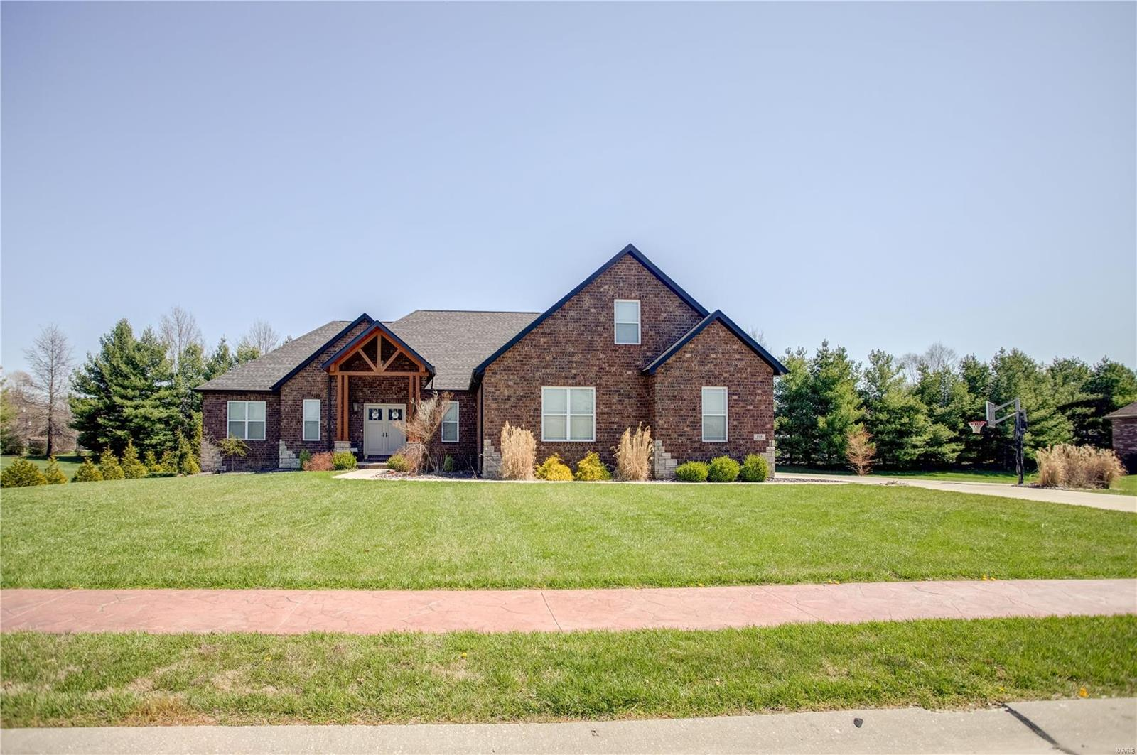 104 Windsor Drive Property Photo - Troy, IL real estate listing