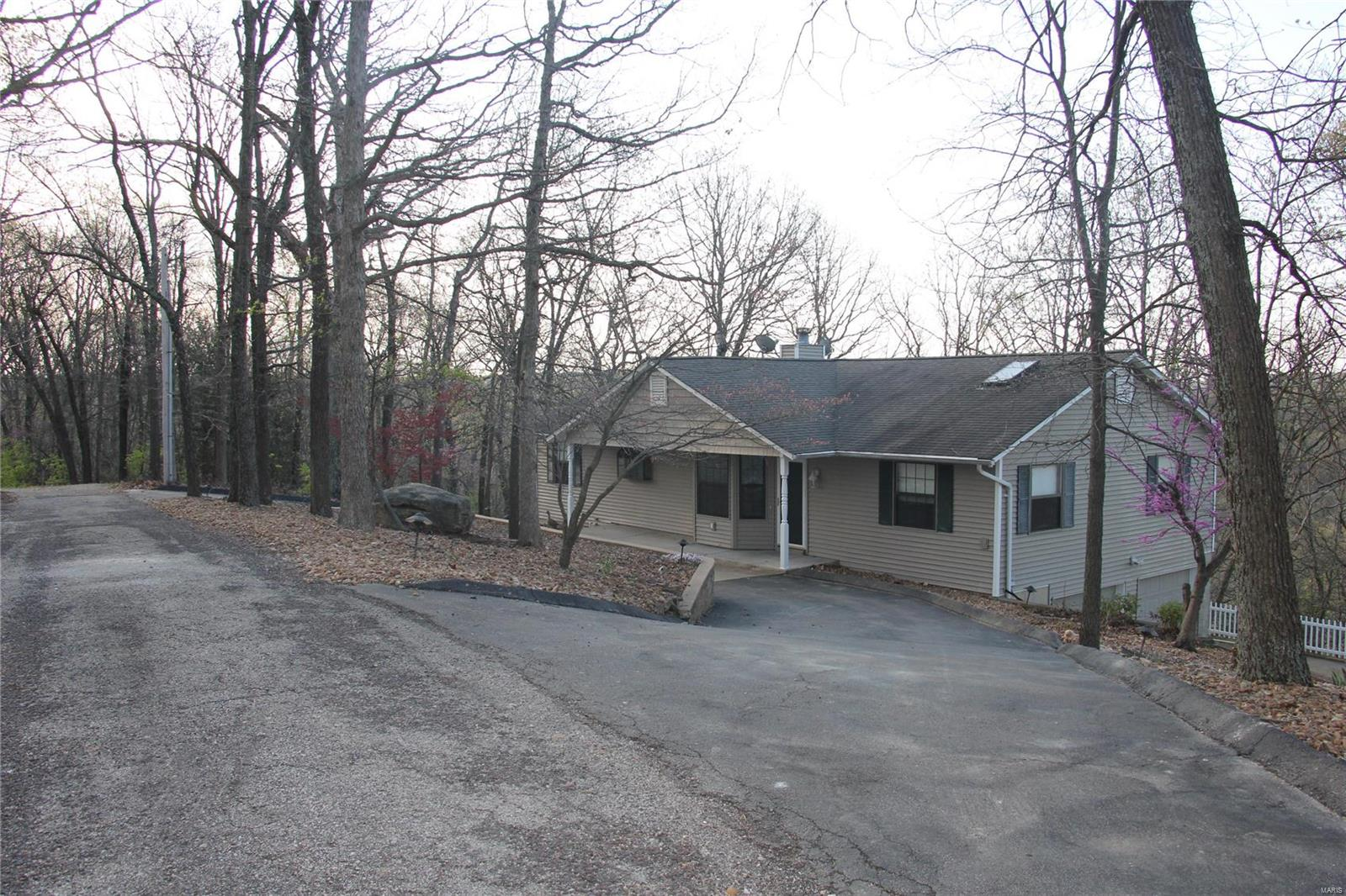 7040 Oak Shadow Ln Property Photo - High Ridge, MO real estate listing