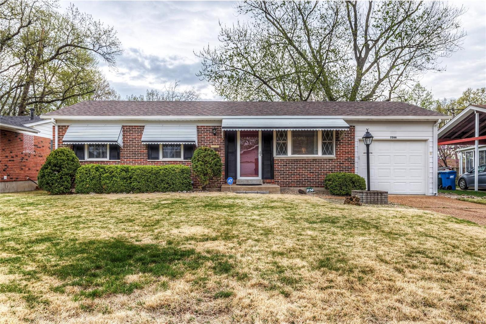 7266 Tannoia Drive Property Photo - Hazelwood, MO real estate listing