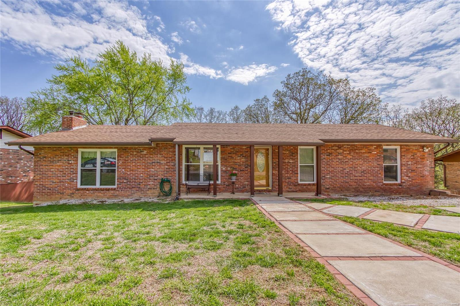2010 Raintree Drive Property Photo - Imperial, MO real estate listing
