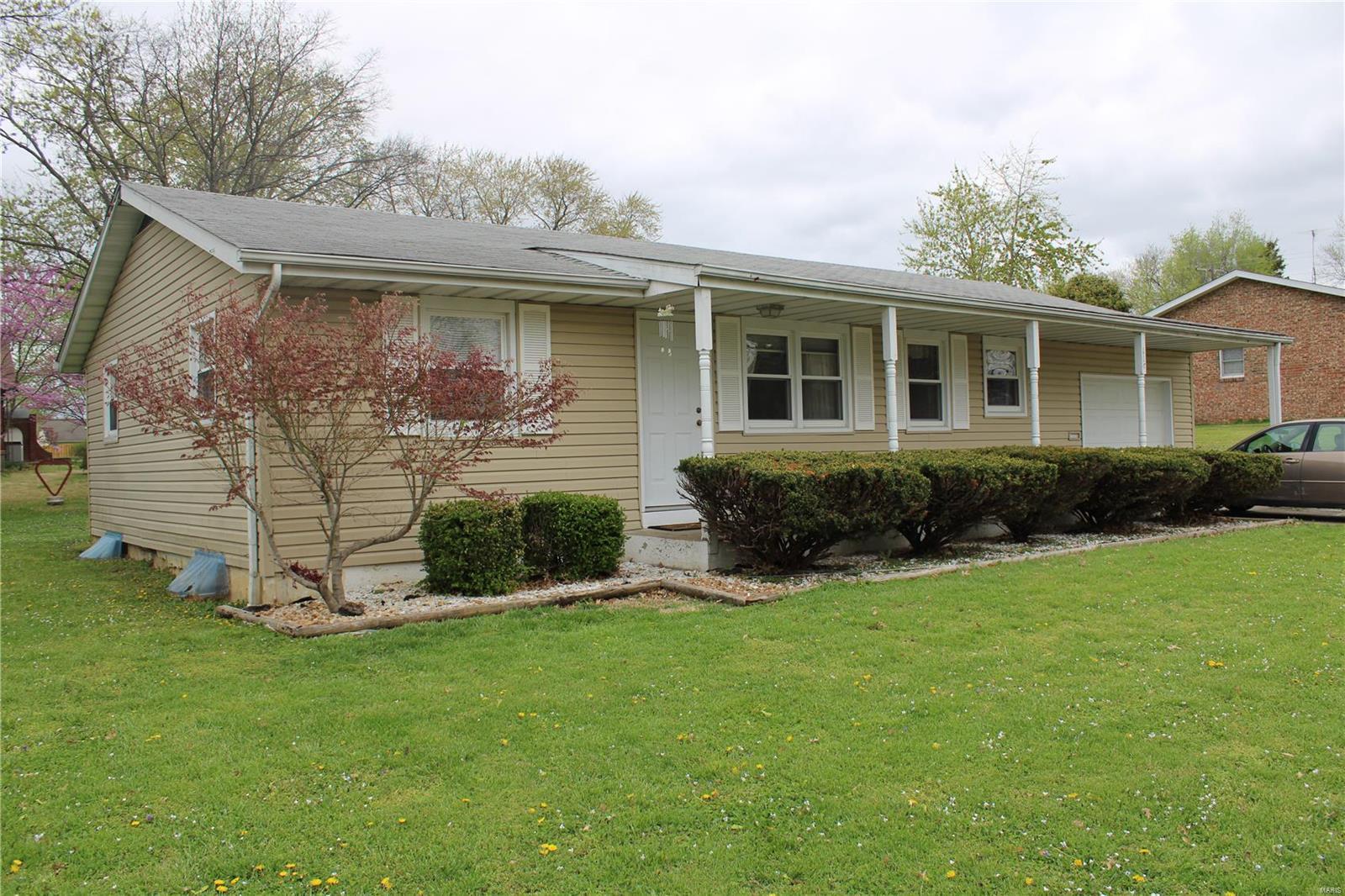 114 Edwards Property Photo 1