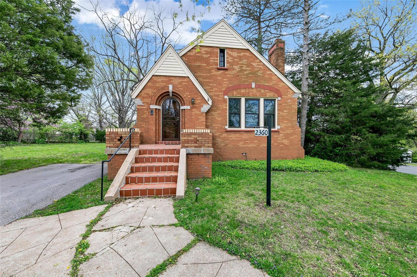 2360 Goodale Avenue Property Photo - St Louis, MO real estate listing