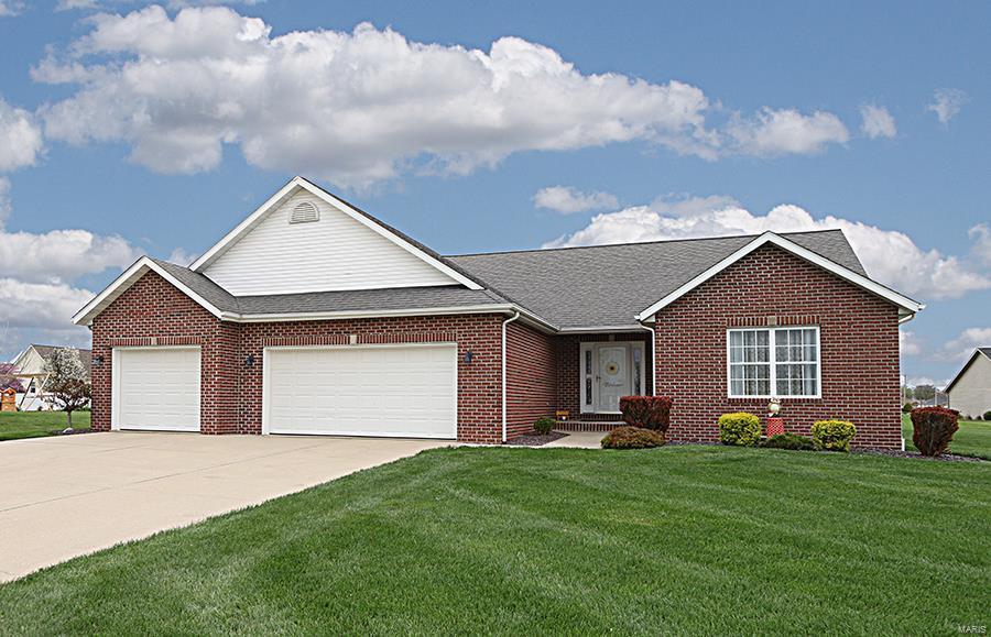 9479 Tudor Lane Property Photo - Breese, IL real estate listing