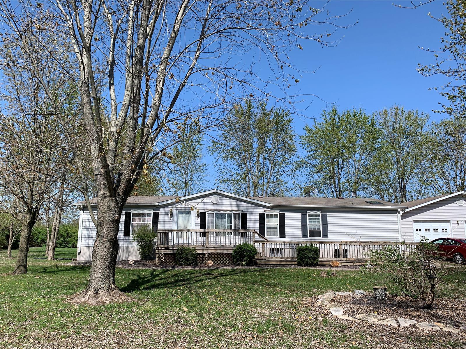 1004 Ridge Avenue Property Photo - Greenville, IL real estate listing