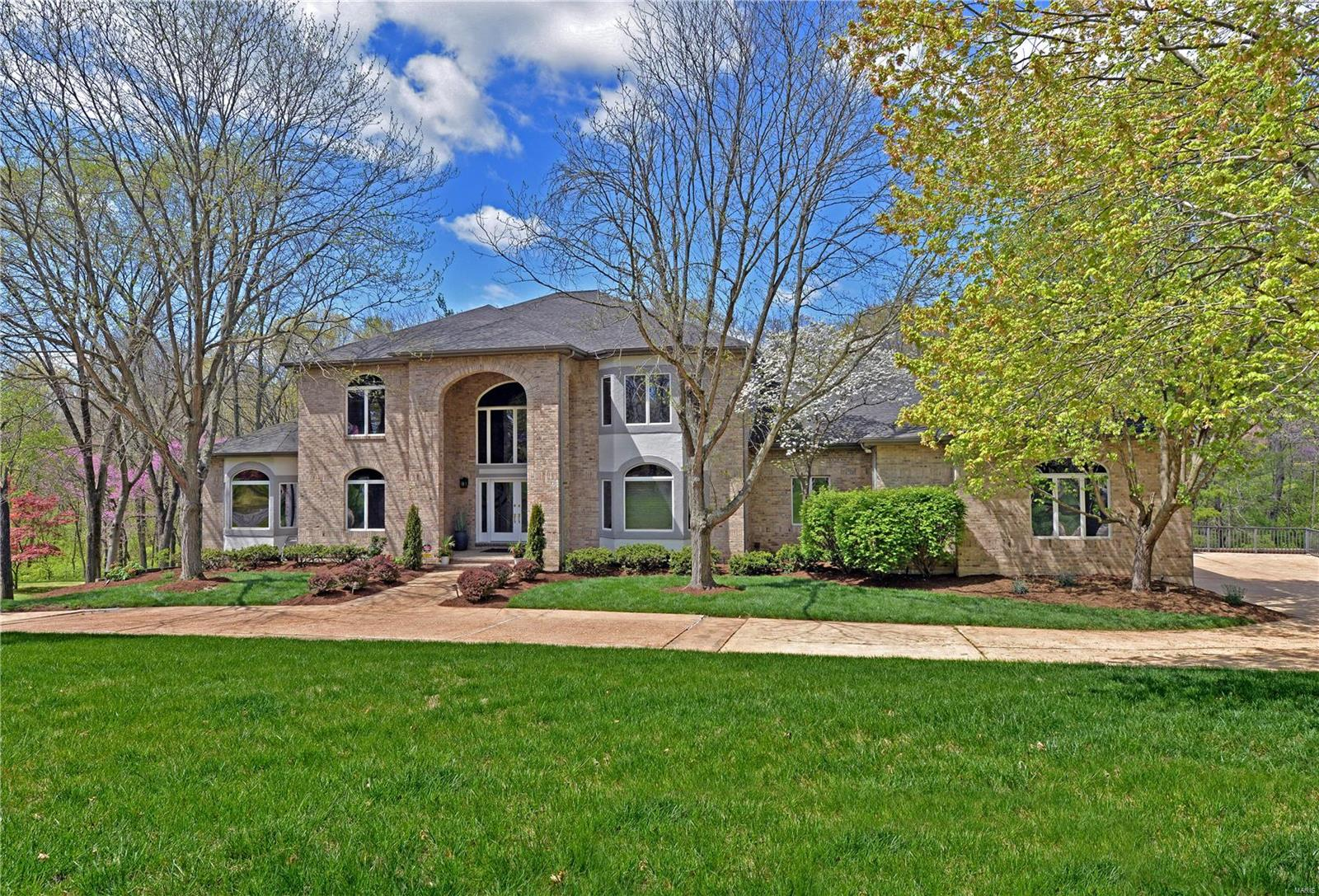 227 Sugar Creek Ridge Drive Property Photo - Kirkwood, MO real estate listing