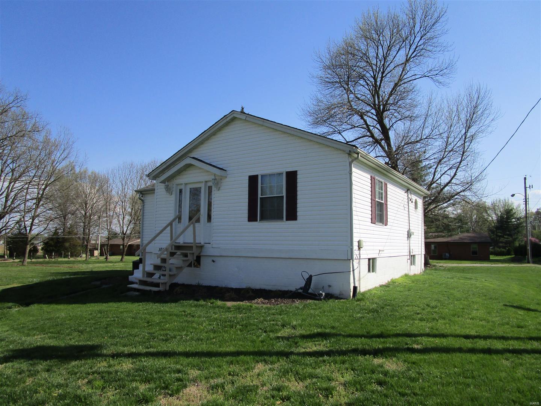1018 Spotsylvania Street Property Photo - New Athens, IL real estate listing