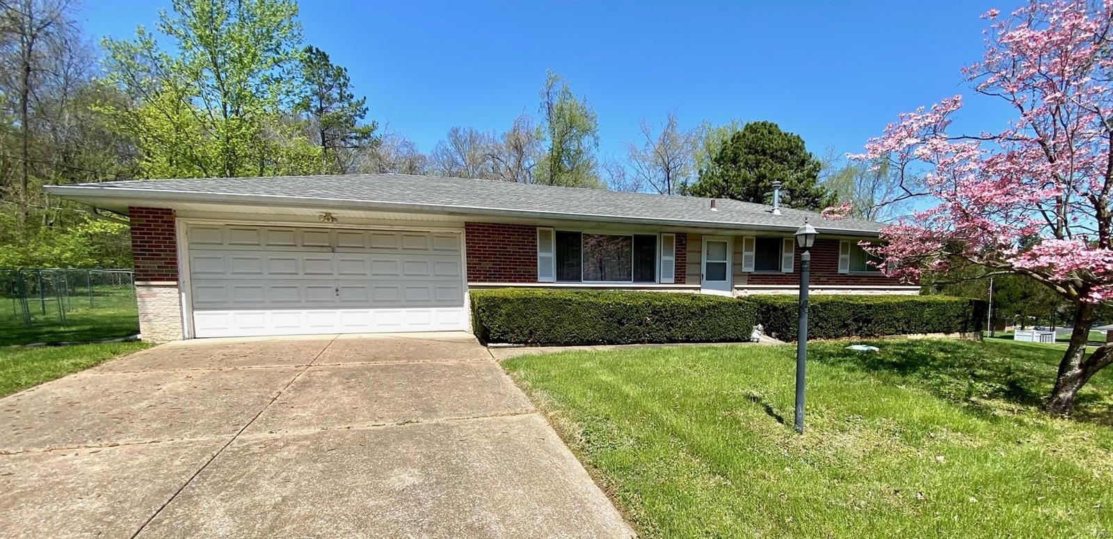 4408 Green Valley Drive Property Photo - Arnold, MO real estate listing