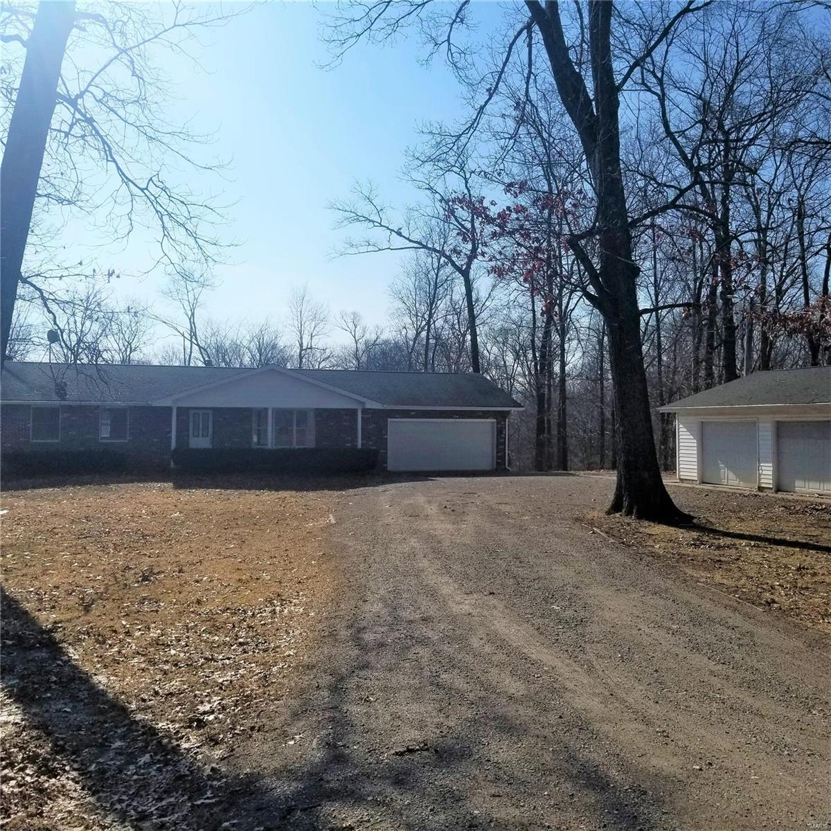 16585 Cimarron Drive Property Photo - Jerseyville, IL real estate listing