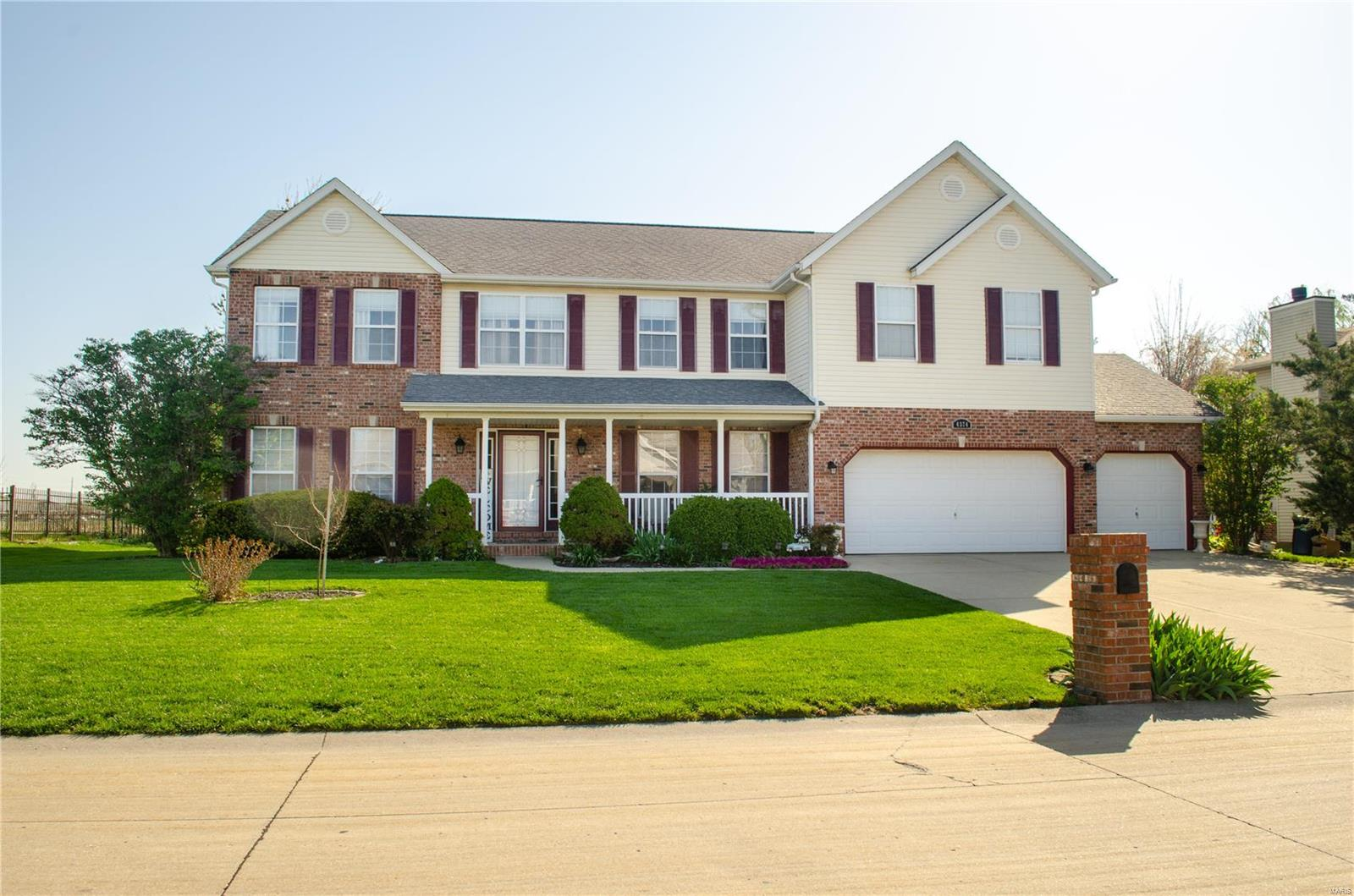 4374 Redfield Drive Property Photo - Swansea, IL real estate listing