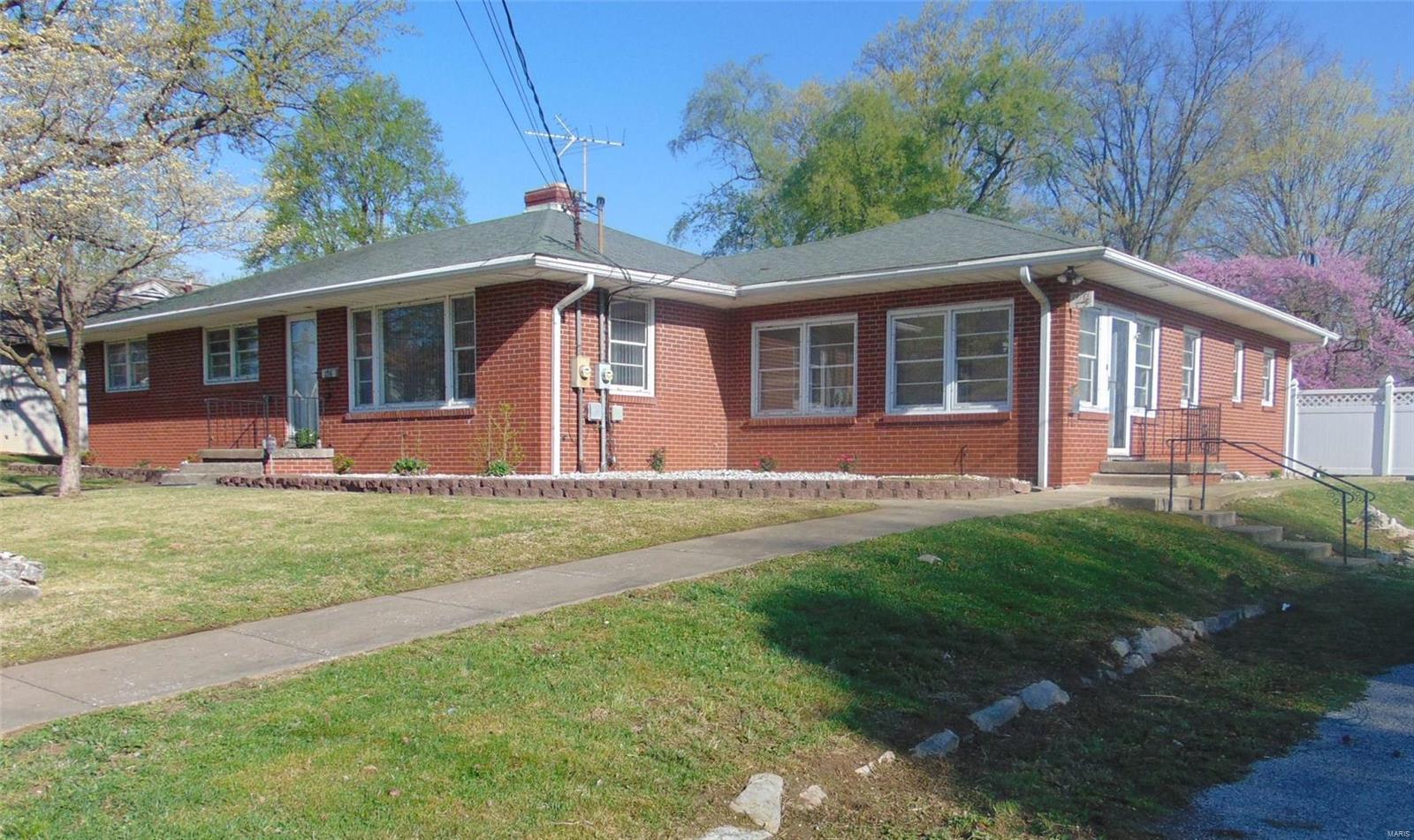 226 W Elm Property Photo