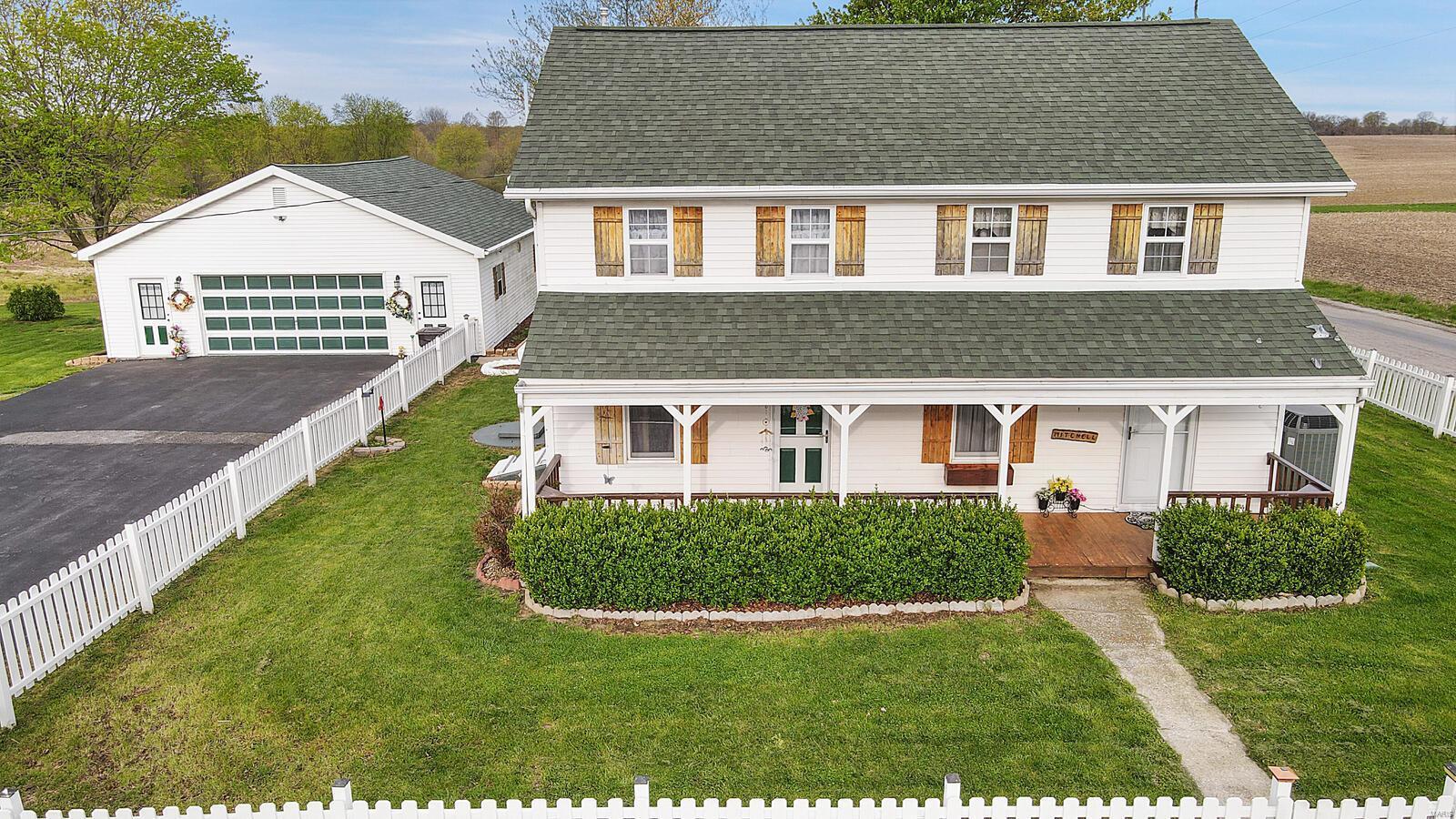 4987 N Fosterburg N Property Photo - Brighton, IL real estate listing