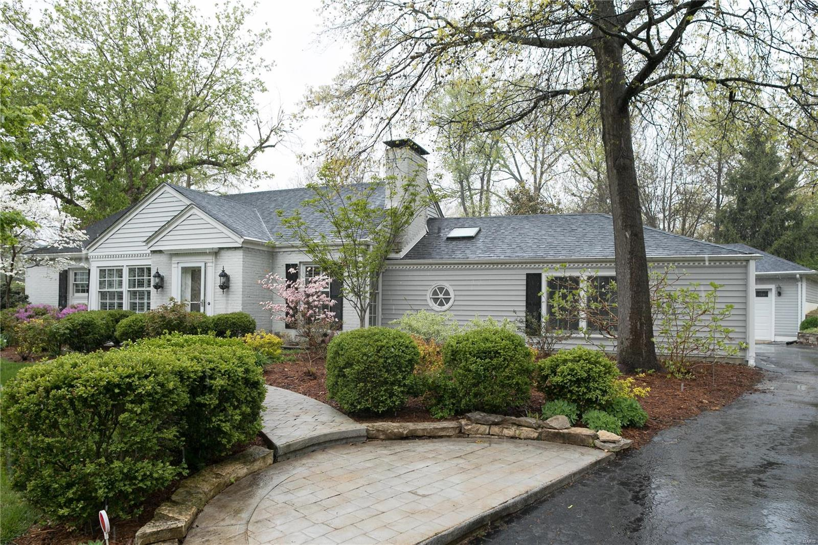 21 S Covington Meadow Property Photo - Olivette, MO real estate listing
