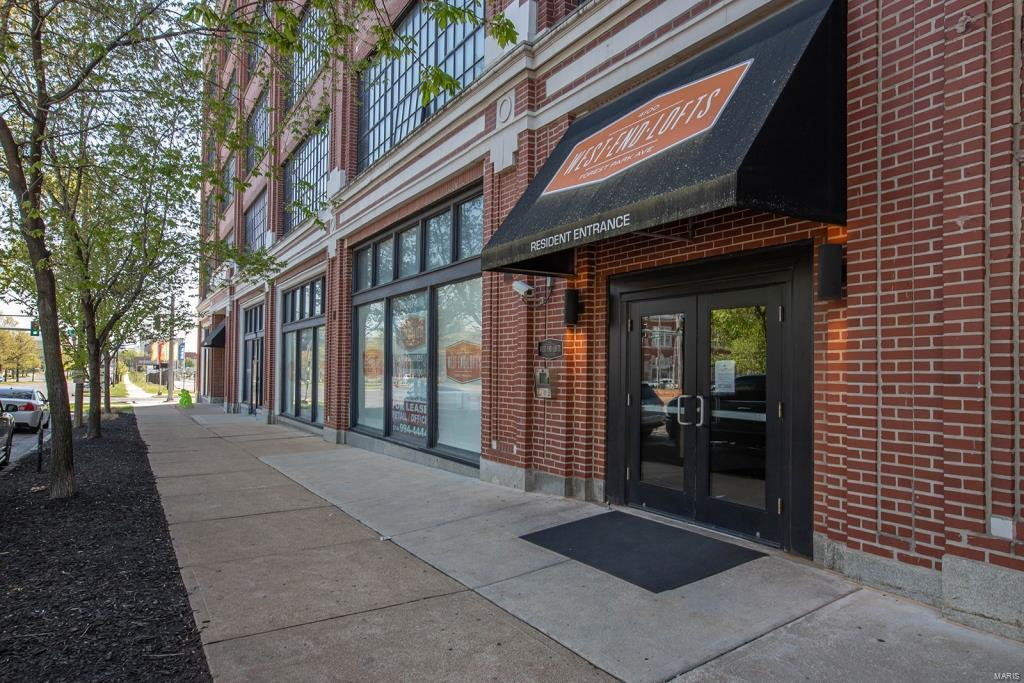 4100 Forest Park Avenue #221 Property Photo - St Louis, MO real estate listing