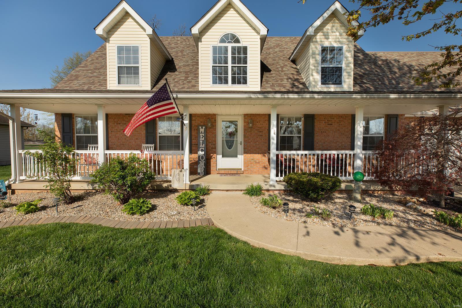 204 Lakewood Drive Property Photo - Brighton, IL real estate listing