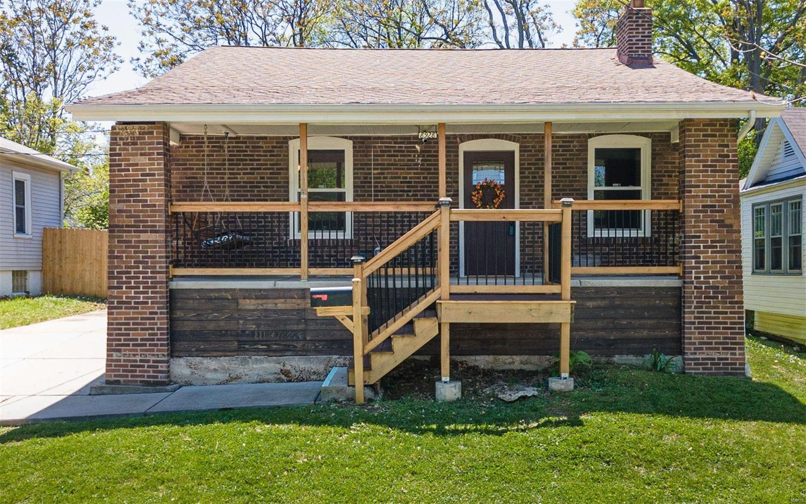 8928 Tudor Avenue Property Photo