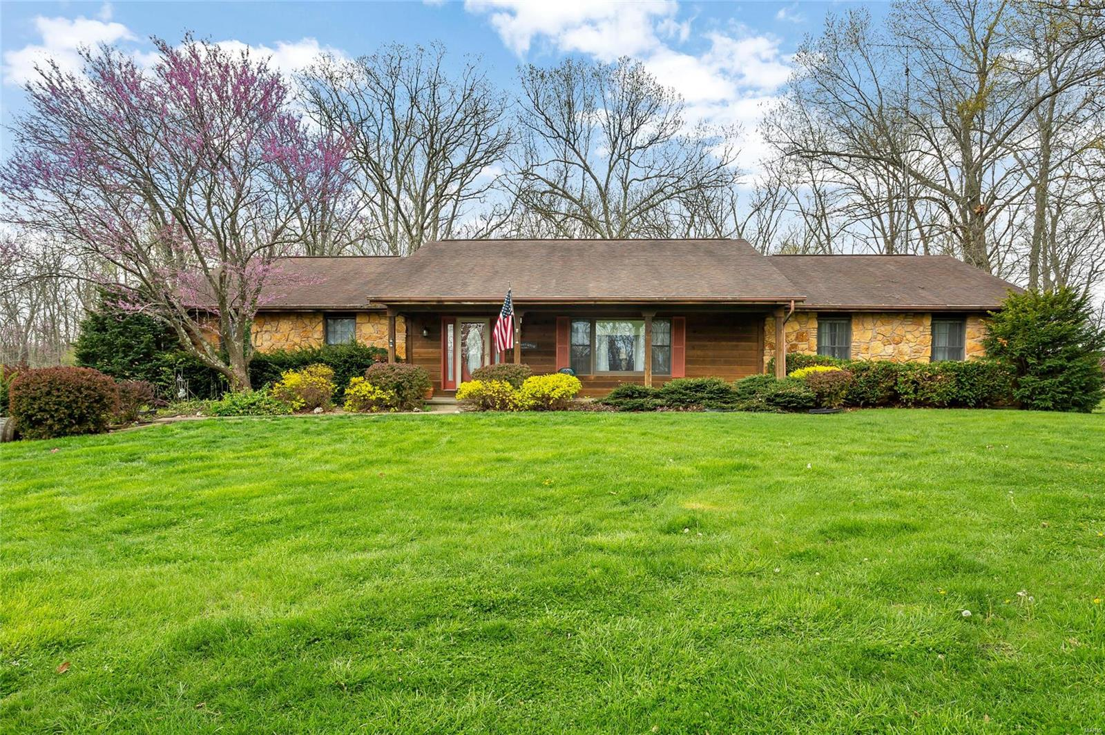 11372 State Road B Property Photo - Montgomery City, MO real estate listing