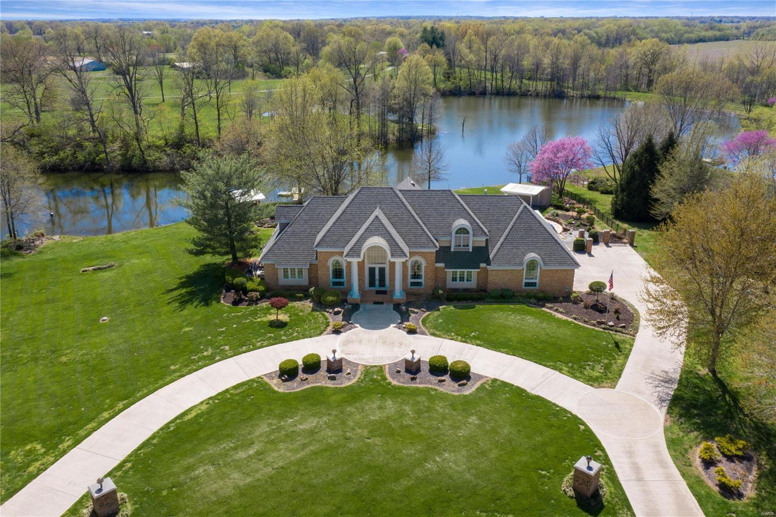 1078 Meadowsong Road Property Photo - Lebanon, IL real estate listing