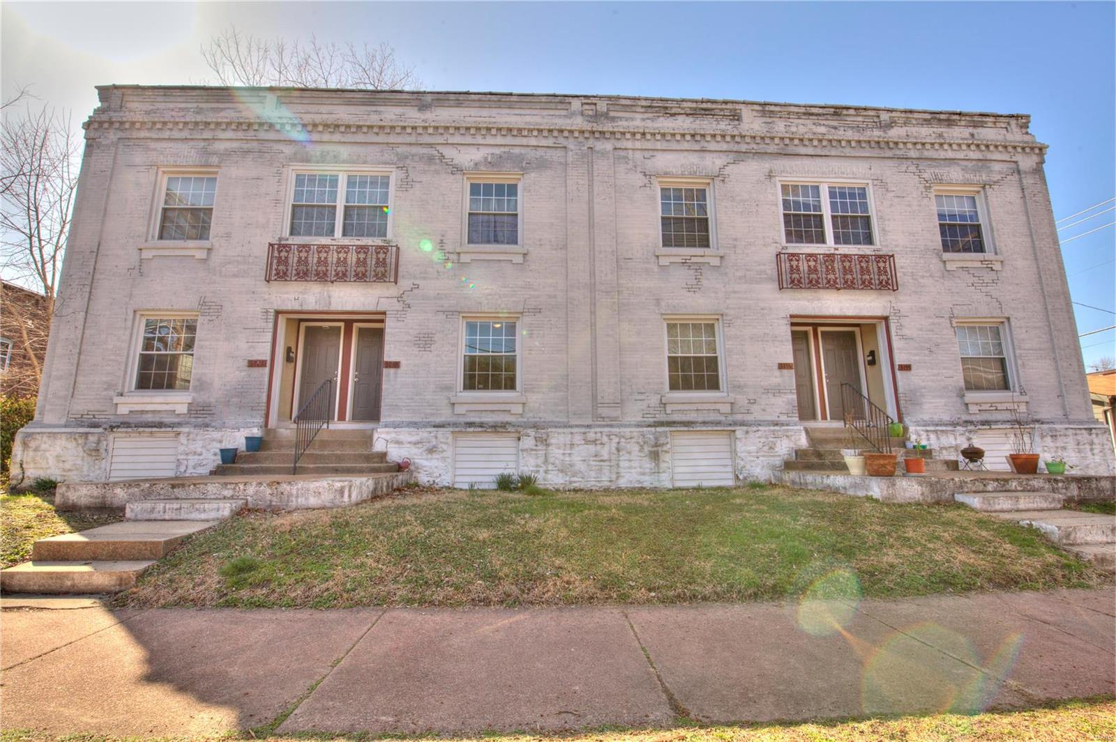 3155 Gustine Avenue Property Photo