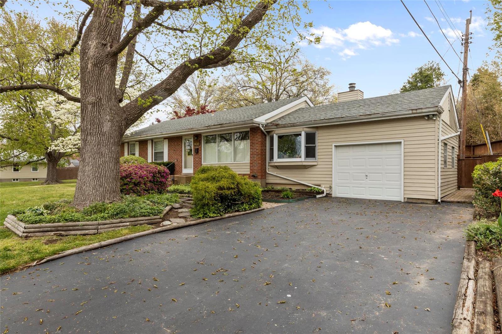 3430 Saint Donald Lane Property Photo - St Ann, MO real estate listing