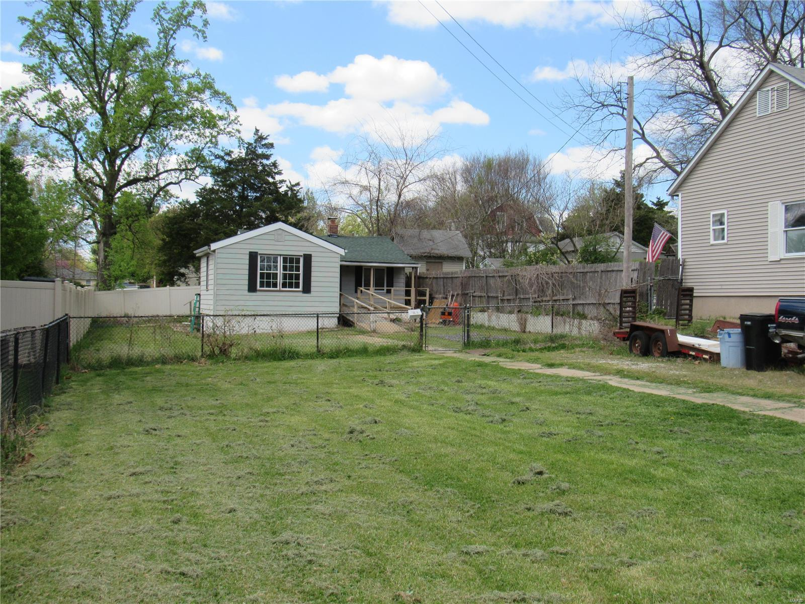 7925 Fleta Property Photo - Affton, MO real estate listing