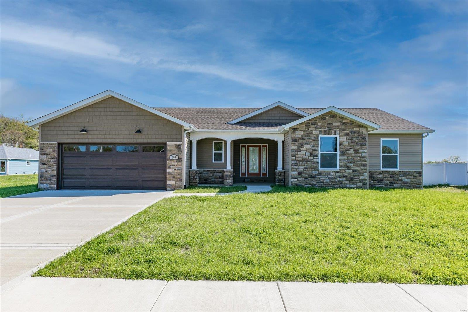 206 Geaschel Drive Property Photo - Caseyville, IL real estate listing