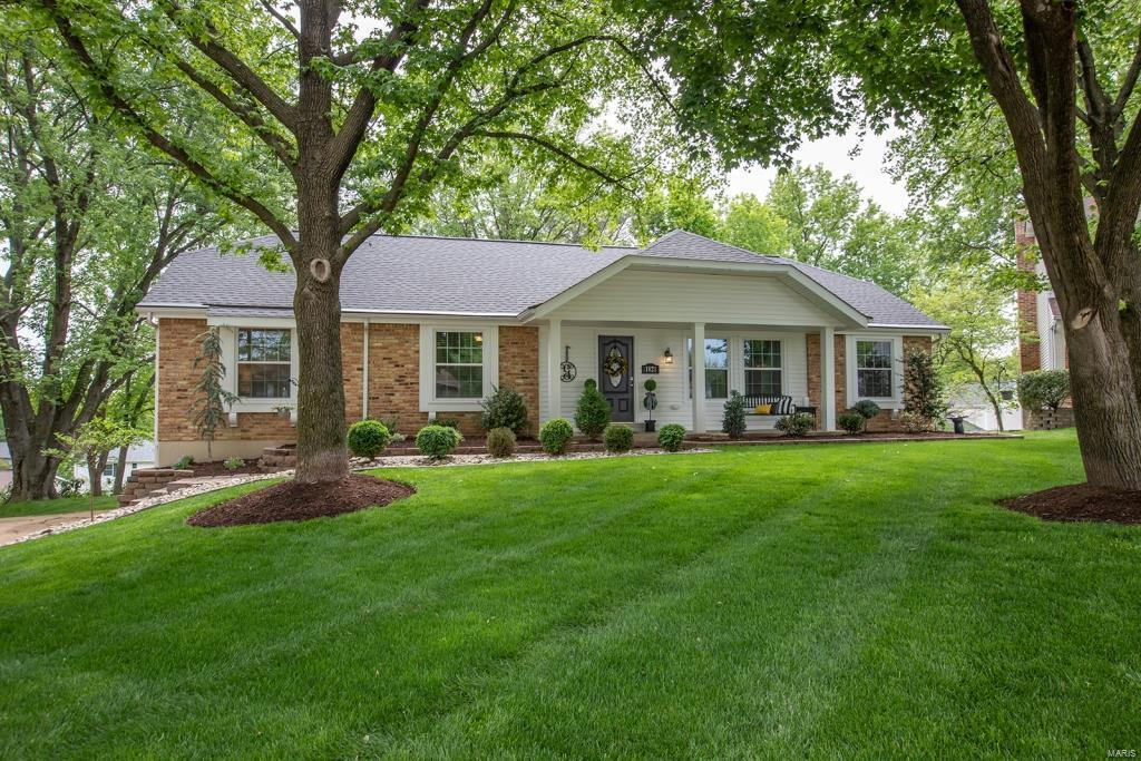 1821 Canyon View Court Property Photo - Chesterfield, MO real estate listing