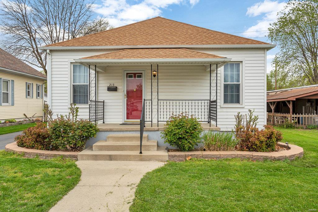 213 N 5th Street Property Photo - Dupo, IL real estate listing
