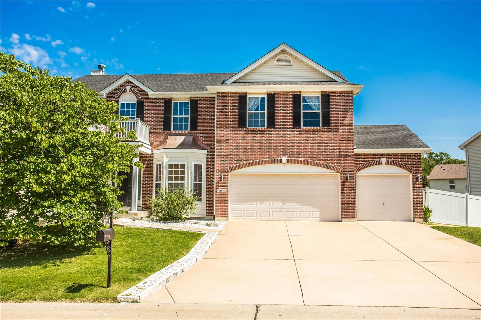 4922 Romaine Spring Drive Property Photo - Fenton, MO real estate listing