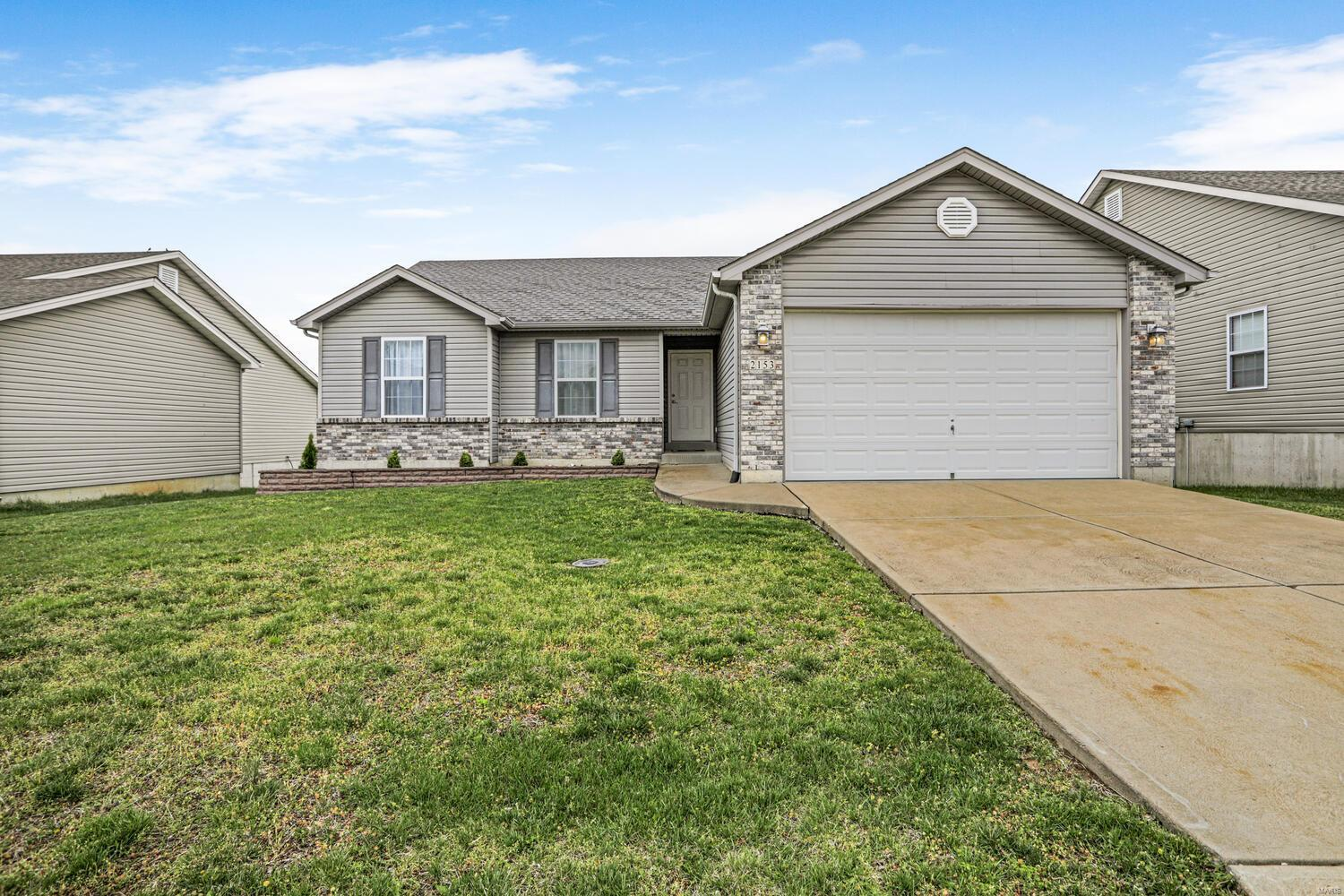 2153 Warwick Castle Drive Property Photo - Imperial, MO real estate listing